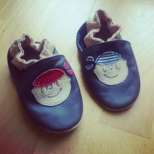 Petits chaussons pour petits pieds  Petits chaussons pour petits pieds  Petits chaussons pour petits pieds  Petits chaussons pour petits pieds  Petits chaussons pour petits pieds  Petits chaussons pour petits pieds  Petits chaussons pour petits pieds