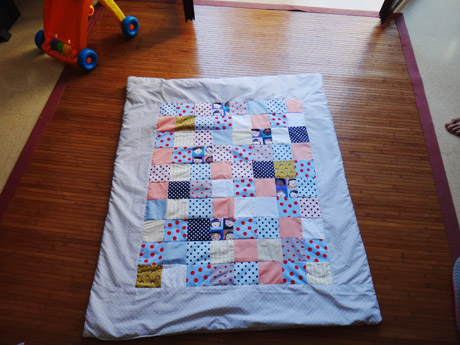 Un plaid en patchwork  Un plaid en patchwork  Un plaid en patchwork