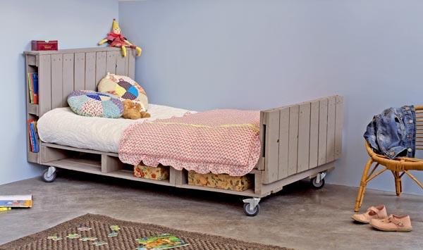 Grand lit pour petit garçon