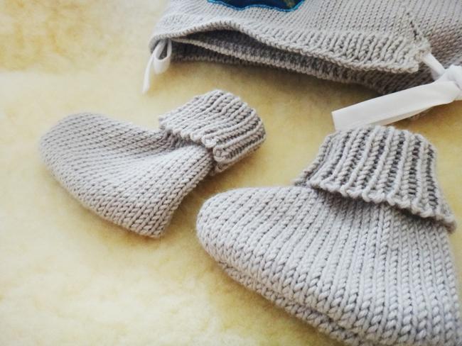 Coffret 100% laine pour mon bébé  Coffret 100% laine pour mon bébé  Coffret 100% laine pour mon bébé