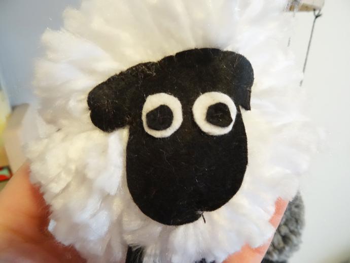 Mobile pompon mouton tuto