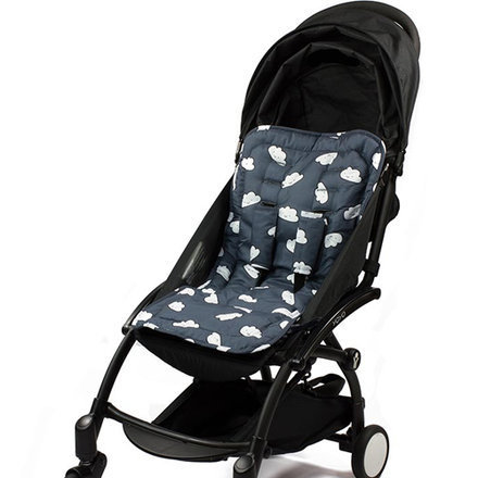Assise de poussette de maman shopping