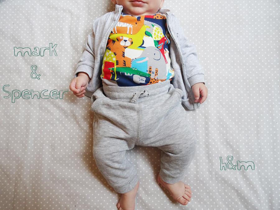 Les petites tenues de BB luciole (concours)  Les petites tenues de BB luciole (concours)