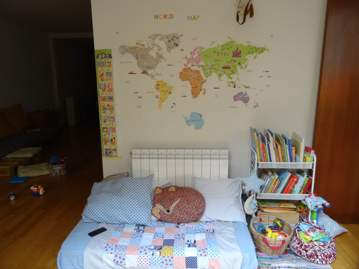 une map monde en stickers d co babymeetstheworld blog maman blog voyages. Black Bedroom Furniture Sets. Home Design Ideas