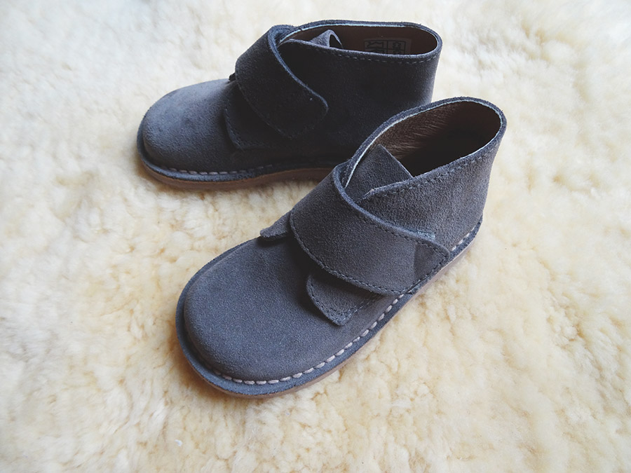 Des petits pieds en Pisamonas  Des petits pieds en Pisamonas