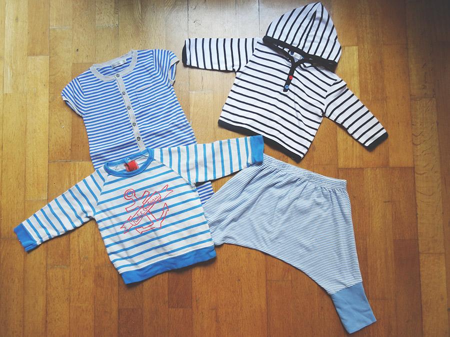 Les petites tenues de bebe luciole avec P'ti pouss