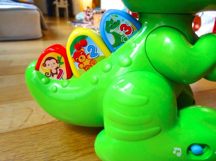 Idée cadeau : Baby T-rex de Clementoni  Idée cadeau : Baby T-rex de Clementoni