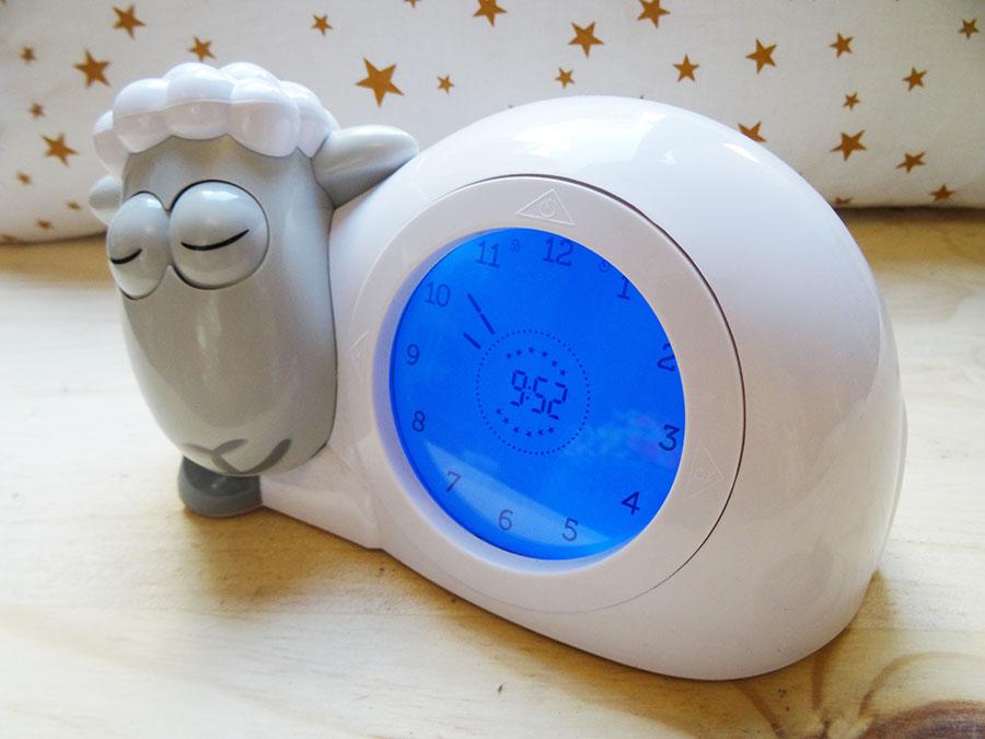 Sam le mouton réveil  Sam le mouton réveil  Sam le mouton réveil  Sam le mouton réveil