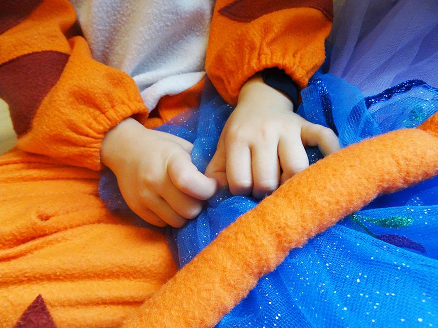 Les déguisements de Mister A et bébé luciole