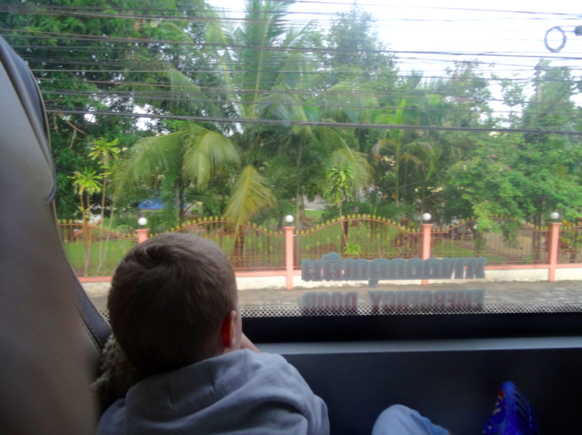 3 ème et 4 ème jour : De Bangkok à Koh Phangan en train, bus et ferry