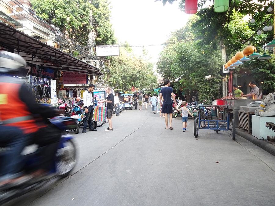 Notre arrivée à Bangkok et Koh san Road  Notre arrivée à Bangkok et Koh san Road  Notre arrivée à Bangkok et Koh san Road  Notre arrivée à Bangkok et Koh san Road  Notre arrivée à Bangkok et Koh san Road  Notre arrivée à Bangkok et Koh san Road
