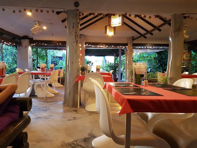 Seetanu bungalows, Malibu beach, à dos d'éléphants à Koh Phangan
