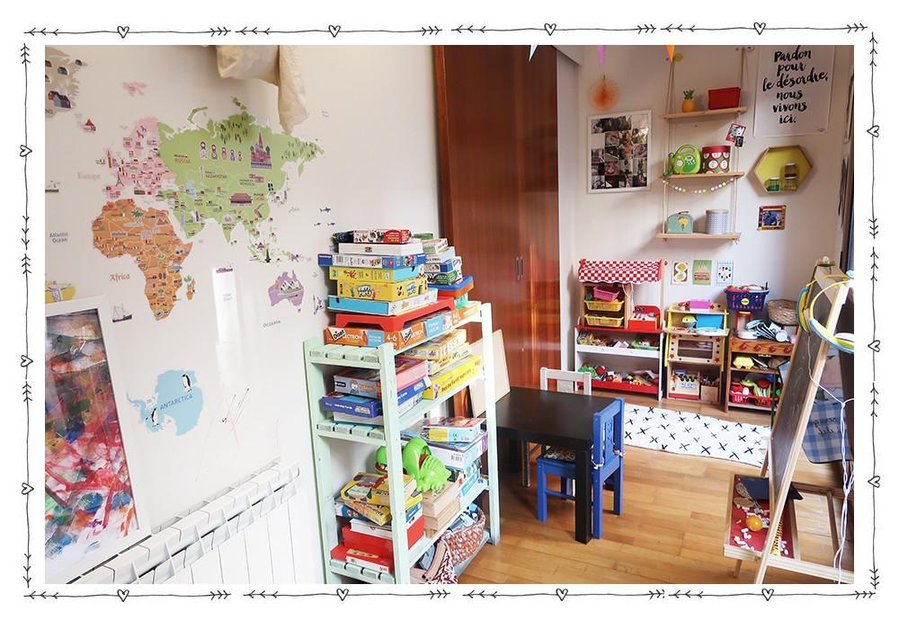 Un coin bureau enfant dans le salon  Un coin bureau enfant dans le salon  Un coin bureau enfant dans le salon  Un coin bureau enfant dans le salon