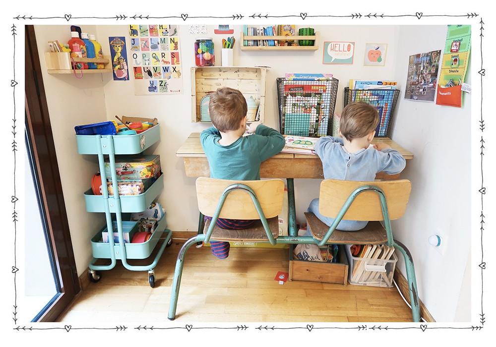 un coin bureau enfant dans le salon tutos enfant babymeetstheworld blog maman blog voyages. Black Bedroom Furniture Sets. Home Design Ideas