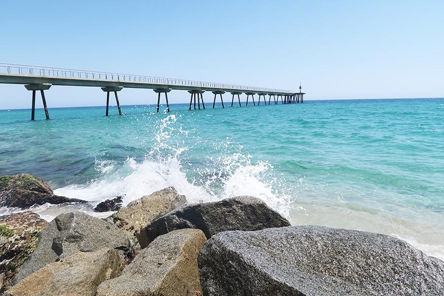 Très La plage du pont Petroli à Barcelone | Barcelone  ON77