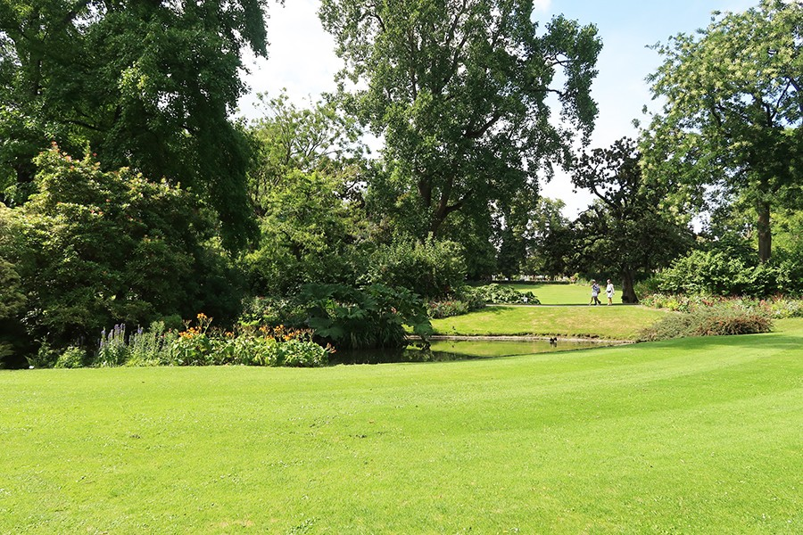 Nos vacances à Nantes : Jardin des plantes et miroir d\'eau ...