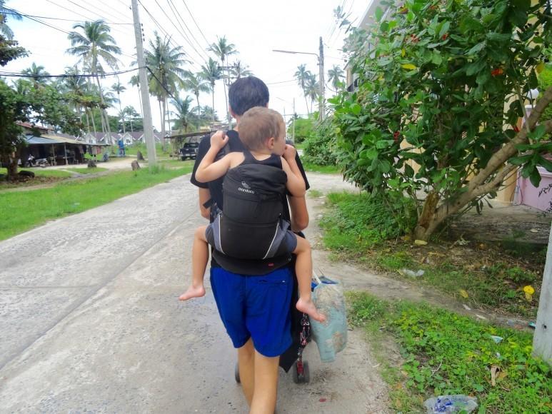 """""""Vous êtes bien courageux de voyager si loin avec des enfants"""""""