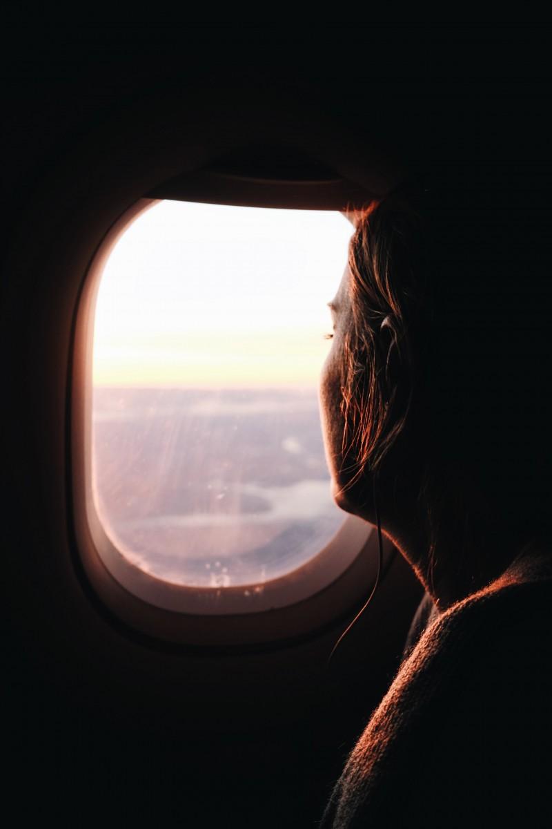 Vaincre sa peur de l'avion : Astuces et conseils