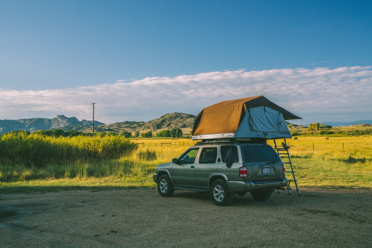 Un van ou une voiture avec une tente pour les vacances ?  Un van ou une voiture avec une tente pour les vacances ?