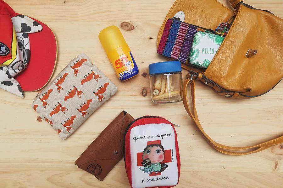 Mes indispensables dans mon sac d'été pour maman et enfant !