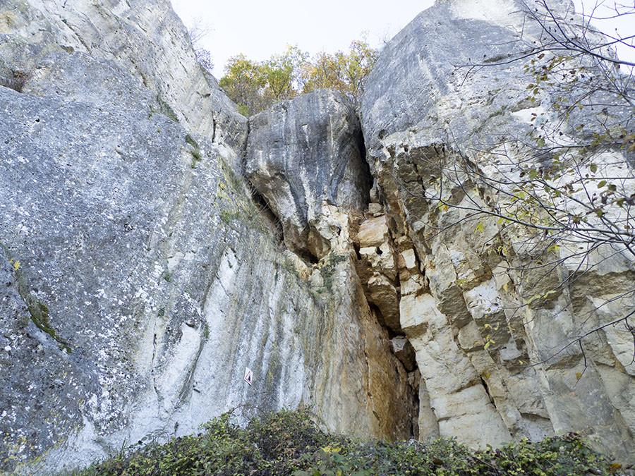 les roches de basseville dans la nièvre