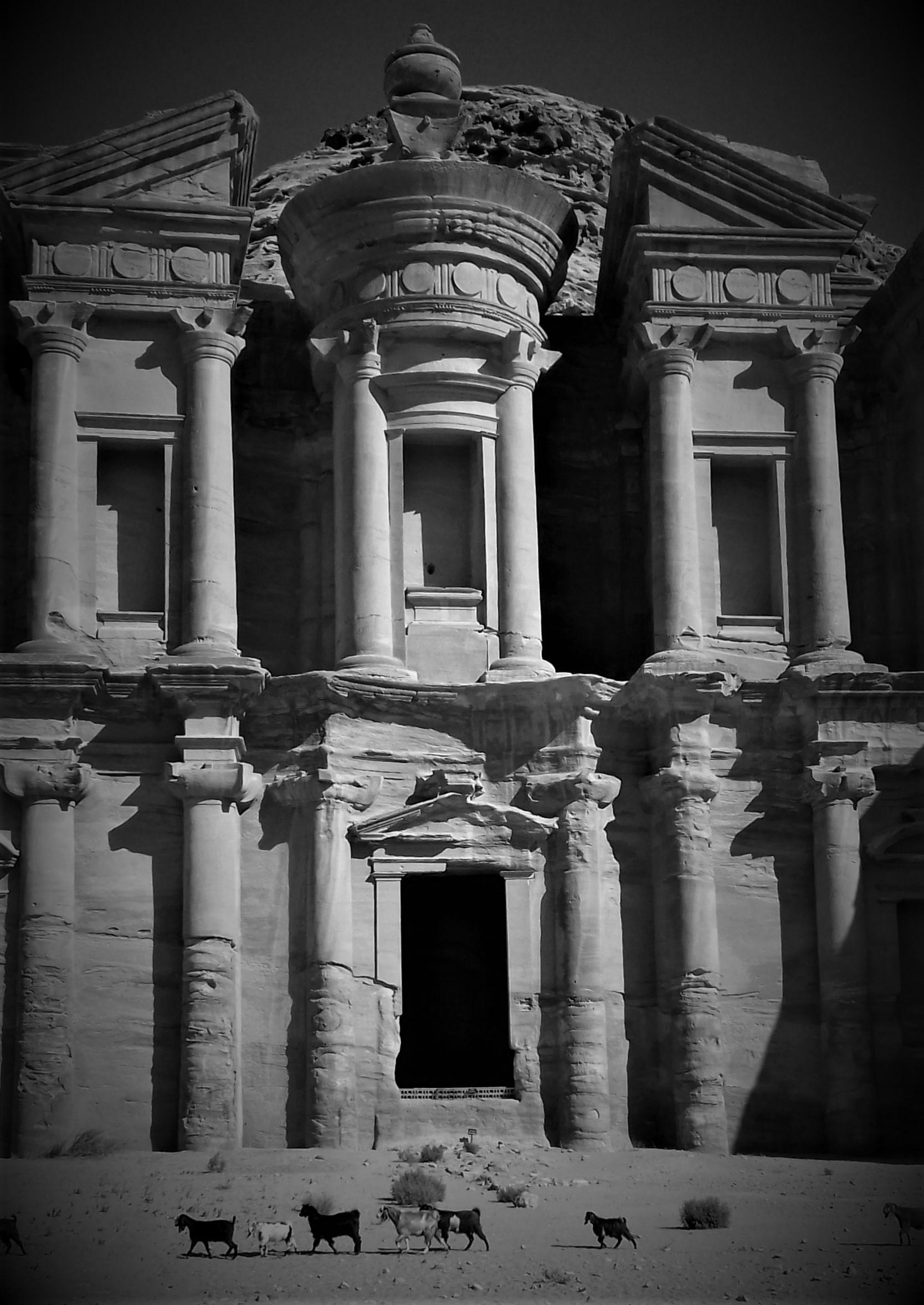 Petra monastere